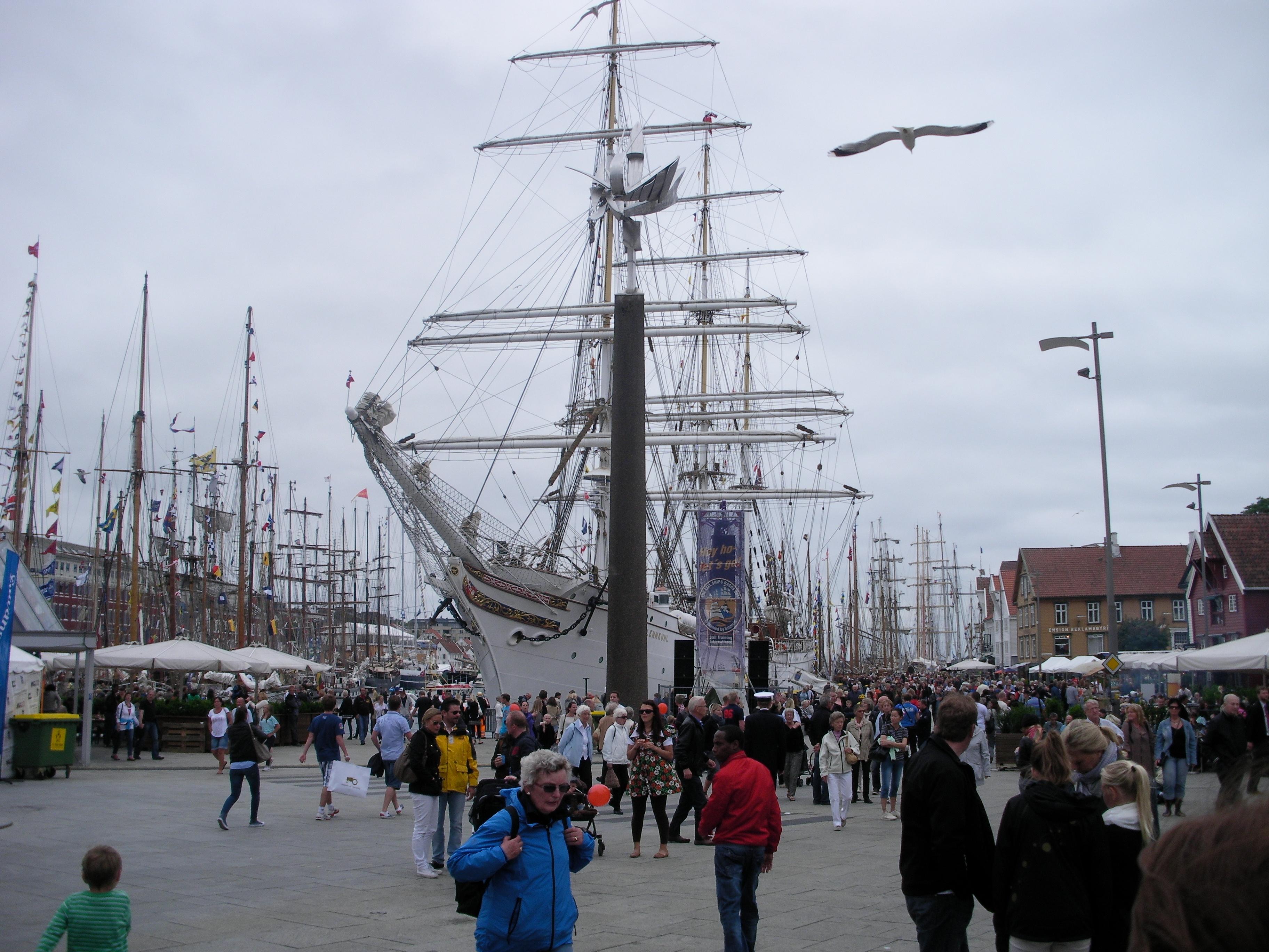 många skepp