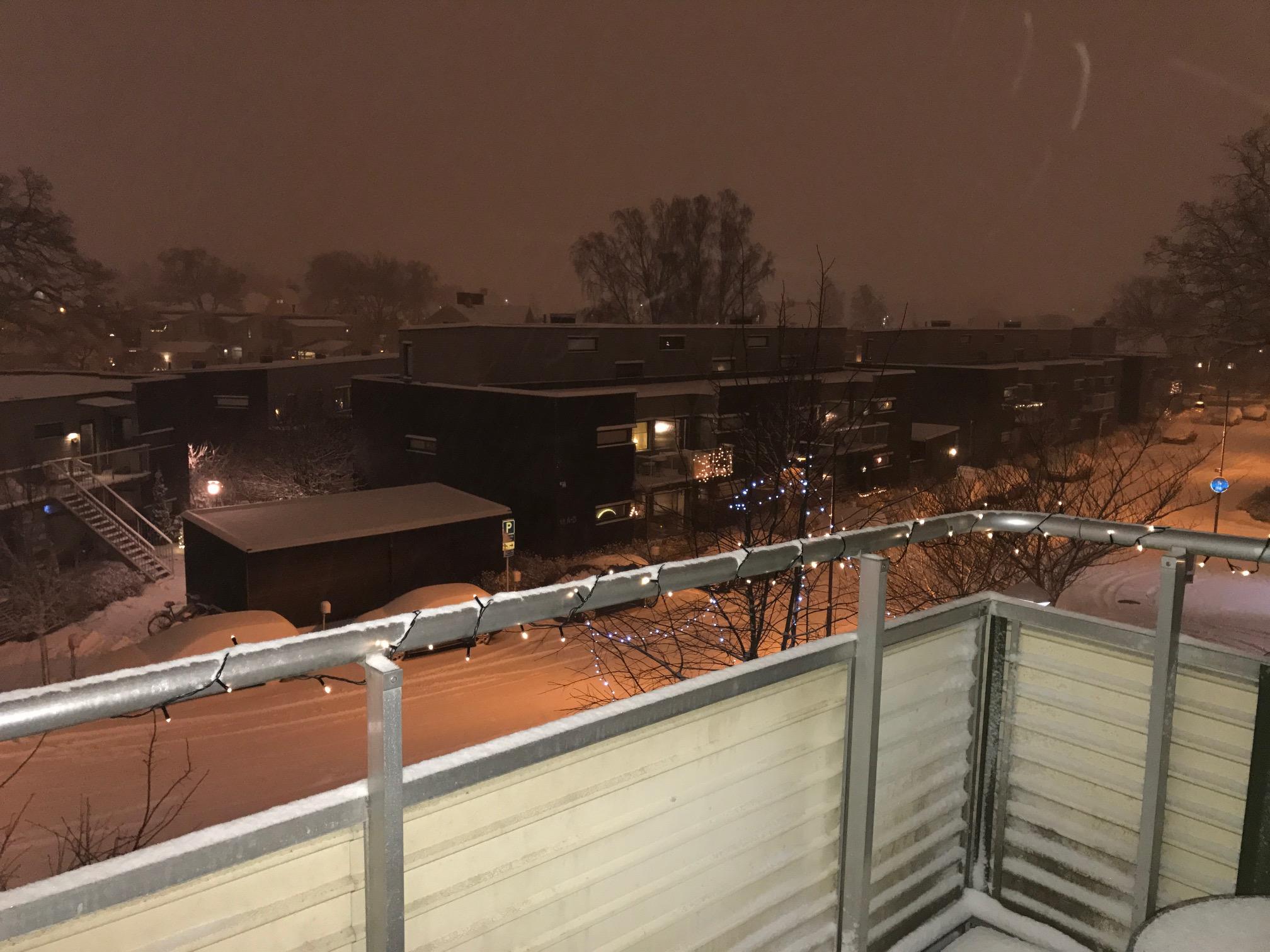 snöig balkong